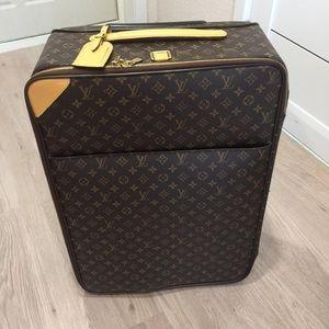 Louis Vuitton Monogram Canvas  Pegase 65 Luggage